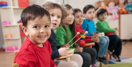 niños-y-música